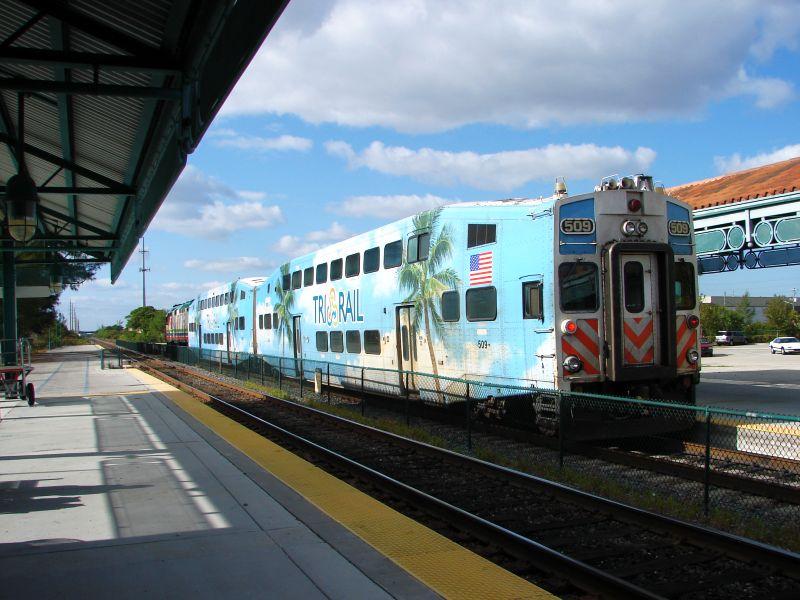 (85k, 800x600)<br><b>Country:</b> United States<br><b>City:</b> Miami, FL<br><b>System:</b> Miami Tri-Rail<br><b>Location:</b> Deerfield Beach (Amtrak) <br><b>Photo by:</b> Bob Vogel<br><b>Date:</b> 3/5/2009<br><b>Notes:</b> Bombardier cab TRCX 509<br><b>Viewed (this week/total):</b> 0 / 1226