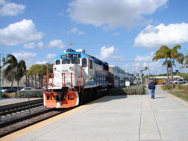 (80k, 800x600)<br><b>Country:</b> United States<br><b>City:</b> Miami, FL<br><b>System:</b> Miami Tri-Rail<br><b>Location:</b> Deerfield Beach (Amtrak) <br><b>Photo by:</b> Bob Vogel<br><b>Date:</b> 3/6/2009<br><b>Notes:</b> GP49 TRCX 812 shoving train P628 northbound<br><b>Viewed (this week/total):</b> 3 / 1065