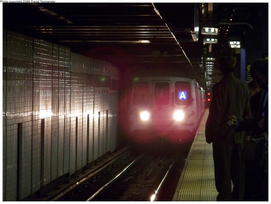 (191k, 1044x788)<br><b>Country:</b> United States<br><b>City:</b> New York<br><b>System:</b> New York City Transit<br><b>Line:</b> IND 8th Avenue Line<br><b>Location:</b> Chambers Street/World Trade Center <br><b>Route:</b> A<br><b>Car:</b> R-44 (St. Louis, 1971-73) 5266 <br><b>Photo by:</b> David Tropiansky<br><b>Date:</b> 4/9/2009<br><b>Viewed (this week/total):</b> 1 / 1620