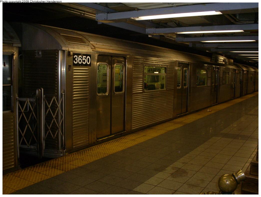 (242k, 1044x788)<br><b>Country:</b> United States<br><b>City:</b> New York<br><b>System:</b> New York City Transit<br><b>Line:</b> IND 8th Avenue Line<br><b>Location:</b> 14th Street <br><b>Route:</b> E<br><b>Car:</b> R-32 (Budd, 1964)  3650 <br><b>Photo by:</b> Christopher Henderson<br><b>Date:</b> 4/6/2009<br><b>Viewed (this week/total):</b> 0 / 1166