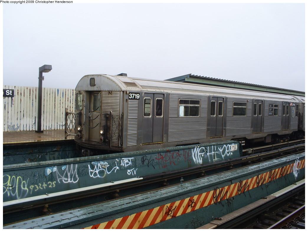 (244k, 1044x788)<br><b>Country:</b> United States<br><b>City:</b> New York<br><b>System:</b> New York City Transit<br><b>Line:</b> IND Fulton Street Line<br><b>Location:</b> 80th Street/Hudson Street <br><b>Route:</b> A<br><b>Car:</b> R-32 (Budd, 1964)  3719 <br><b>Photo by:</b> Christopher Henderson<br><b>Date:</b> 4/6/2009<br><b>Viewed (this week/total):</b> 0 / 830