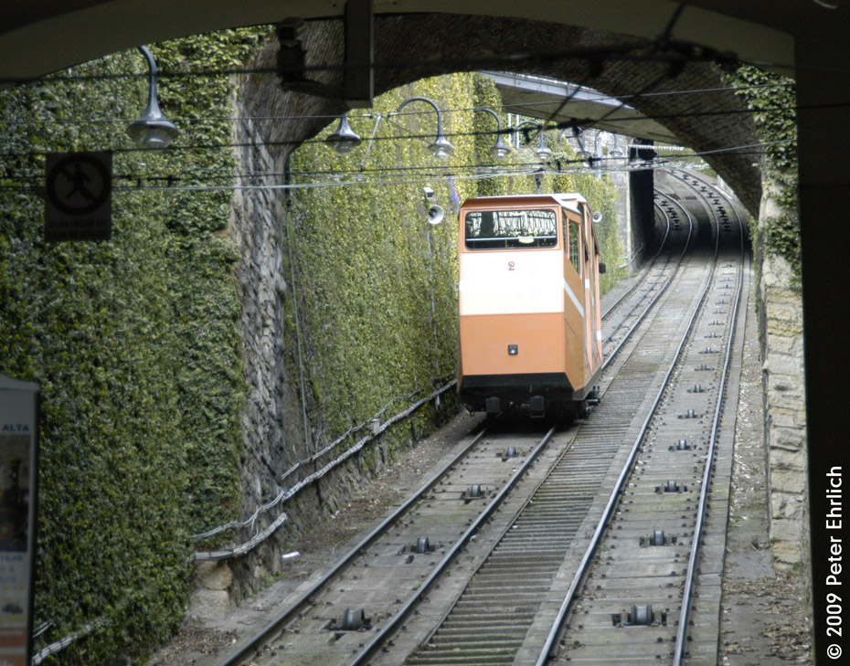 (301k, 930x729)<br><b>Country:</b> Italy<br><b>City:</b> Bergamo<br><b>System:</b> Città Alta Funicular<br><b>Photo by:</b> Peter Ehrlich<br><b>Date:</b> 3/20/2009<br><b>Notes:</b> Leaving bottom station.<br><b>Viewed (this week/total):</b> 0 / 544