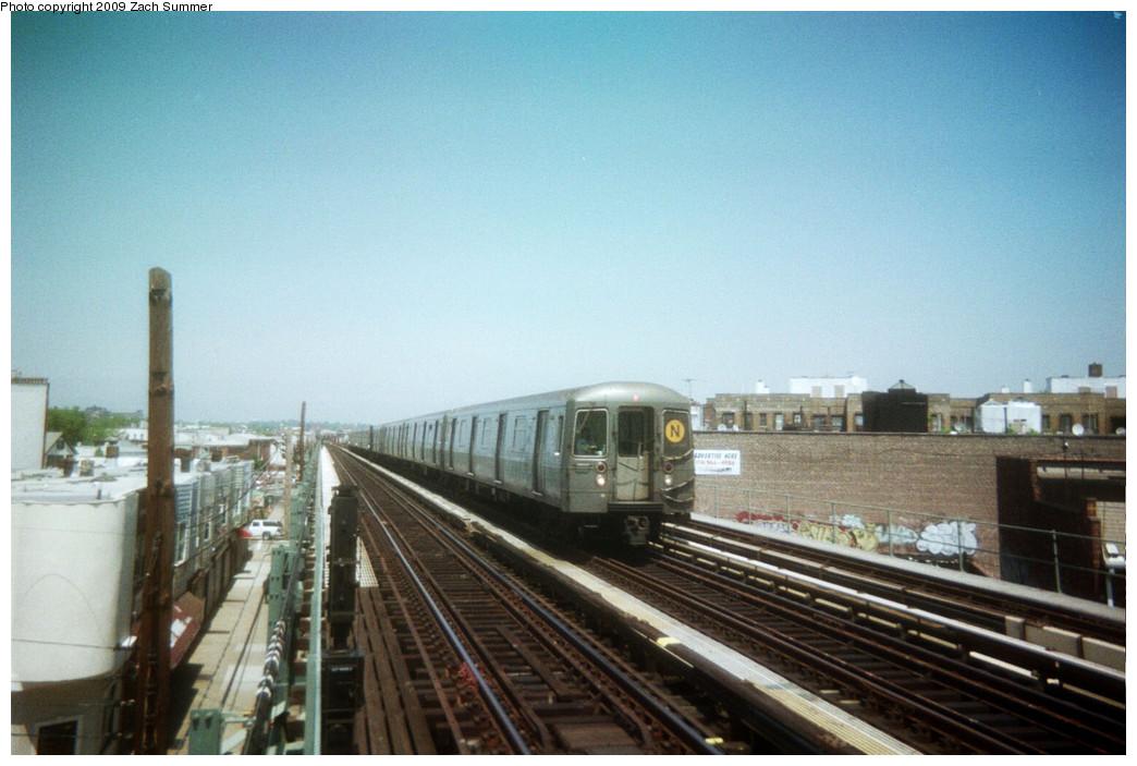 (221k, 1044x703)<br><b>Country:</b> United States<br><b>City:</b> New York<br><b>System:</b> New York City Transit<br><b>Line:</b> BMT West End Line<br><b>Location:</b> 71st Street <br><b>Route:</b> N reroute<br><b>Car:</b> R-68A (Kawasaki, 1988-1989)   <br><b>Photo by:</b> Zach Summer<br><b>Date:</b> 5/2006<br><b>Viewed (this week/total):</b> 10 / 986
