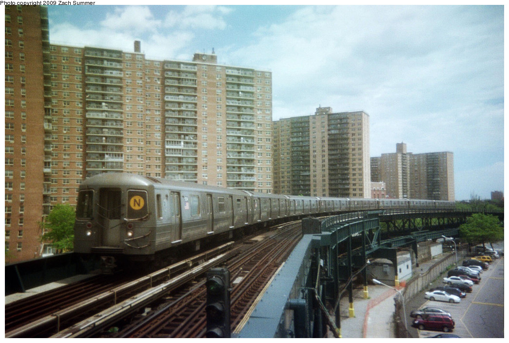 (255k, 1044x703)<br><b>Country:</b> United States<br><b>City:</b> New York<br><b>System:</b> New York City Transit<br><b>Line:</b> BMT Brighton Line<br><b>Location:</b> West 8th Street <br><b>Route:</b> N reroute<br><b>Car:</b> R-68A (Kawasaki, 1988-1989)   <br><b>Photo by:</b> Zach Summer<br><b>Date:</b> 5/2006<br><b>Notes:</b> N extended via Brighton, Stillwell to Kings Highway<br><b>Viewed (this week/total):</b> 1 / 1216