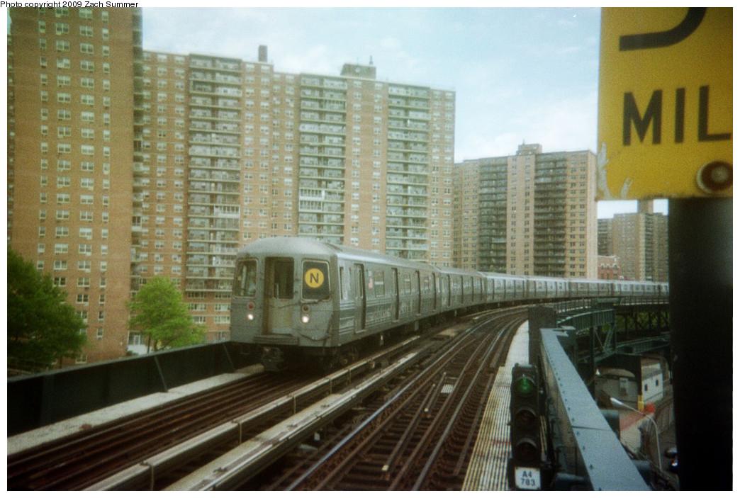 (251k, 1044x703)<br><b>Country:</b> United States<br><b>City:</b> New York<br><b>System:</b> New York City Transit<br><b>Line:</b> BMT Brighton Line<br><b>Location:</b> West 8th Street <br><b>Route:</b> N reroute<br><b>Car:</b> R-68 (Westinghouse-Amrail, 1986-1988)   <br><b>Photo by:</b> Zach Summer<br><b>Date:</b> 5/2006<br><b>Notes:</b> N extended via Brighton, Stillwell to Kings Highway<br><b>Viewed (this week/total):</b> 0 / 1234