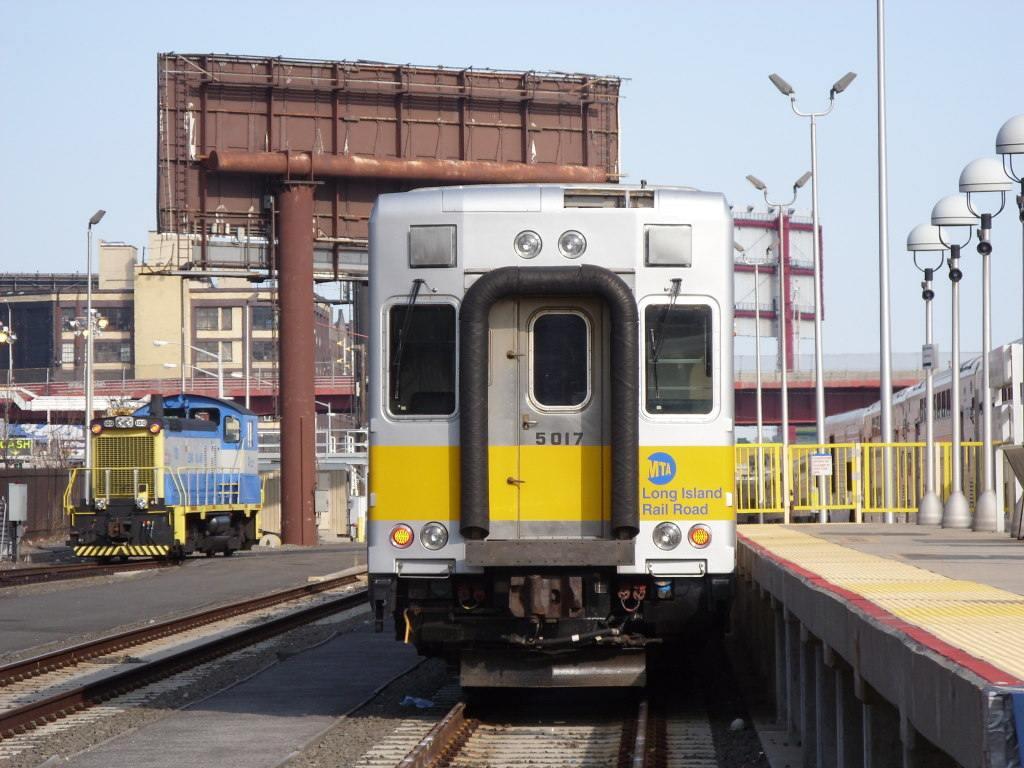 (216k, 1024x768)<br><b>Country:</b> United States<br><b>City:</b> New York<br><b>System:</b> Long Island Rail Road<br><b>Line:</b> LIRR Long Island City<br><b>Location:</b> Long Island City <br><b>Car:</b> LIRR Kawasaki C-3/C-R (Bilevel Coach/Cab) 5017 <br><b>Photo by:</b> Leonard Wilson<br><b>Date:</b> 4/9/2009<br><b>Viewed (this week/total):</b> 0 / 1167