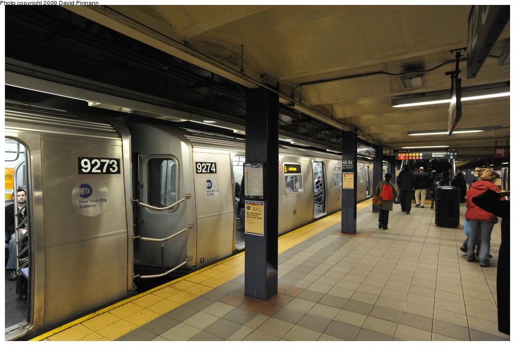 (244k, 1044x701)<br><b>Country:</b> United States<br><b>City:</b> New York<br><b>System:</b> New York City Transit<br><b>Line:</b> IND 8th Avenue Line<br><b>Location:</b> 42nd Street/Port Authority Bus Terminal <br><b>Route:</b> E<br><b>Car:</b> R-160A (Option 1) (Alstom, 2008-2009, 5 car sets)  9274 <br><b>Photo by:</b> David Pirmann<br><b>Date:</b> 4/10/2009<br><b>Viewed (this week/total):</b> 0 / 1925