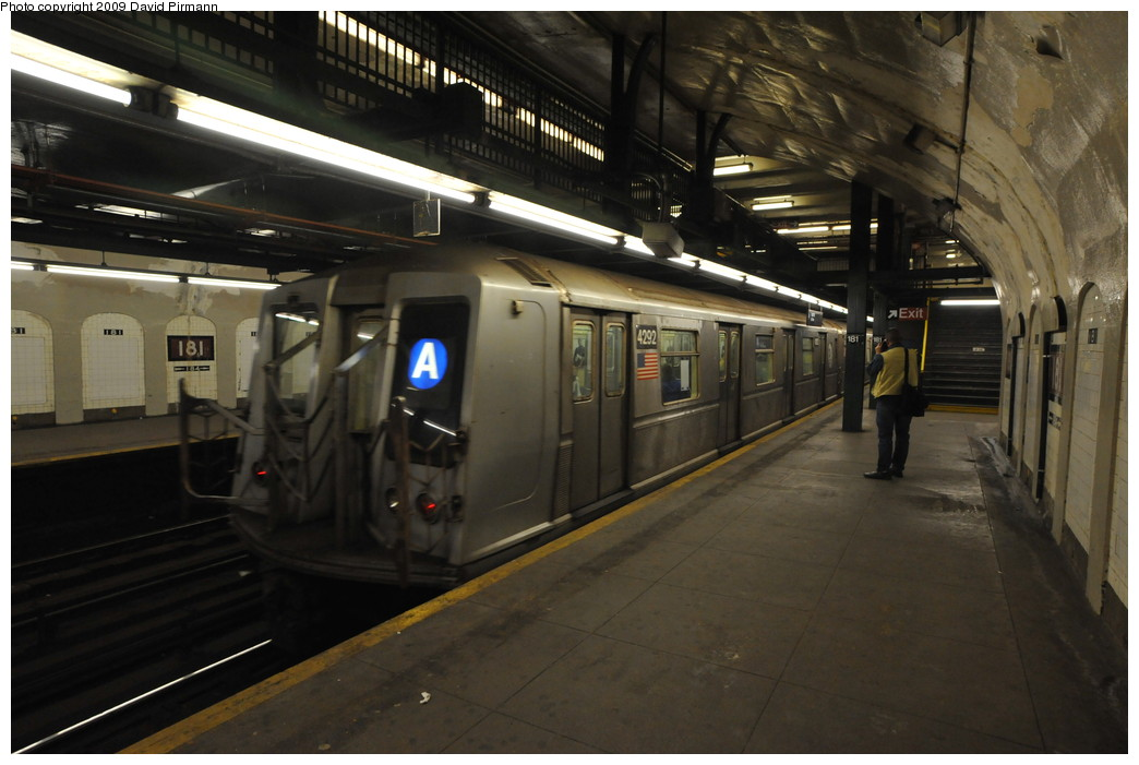 (229k, 1044x701)<br><b>Country:</b> United States<br><b>City:</b> New York<br><b>System:</b> New York City Transit<br><b>Line:</b> IND 8th Avenue Line<br><b>Location:</b> 181st Street <br><b>Route:</b> A<br><b>Car:</b> R-40 (St. Louis, 1968)  4292 <br><b>Photo by:</b> David Pirmann<br><b>Date:</b> 4/10/2009<br><b>Viewed (this week/total):</b> 3 / 1306