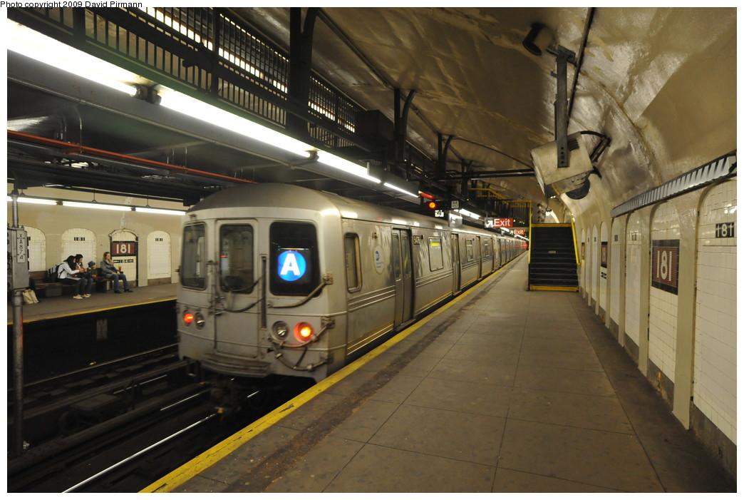 (252k, 1044x701)<br><b>Country:</b> United States<br><b>City:</b> New York<br><b>System:</b> New York City Transit<br><b>Line:</b> IND 8th Avenue Line<br><b>Location:</b> 181st Street <br><b>Route:</b> A<br><b>Car:</b> R-44 (St. Louis, 1971-73) 5476 <br><b>Photo by:</b> David Pirmann<br><b>Date:</b> 4/10/2009<br><b>Viewed (this week/total):</b> 0 / 1287
