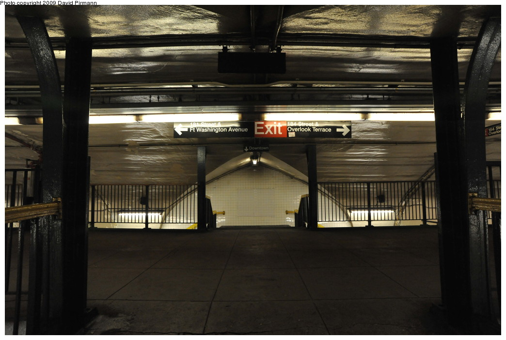 (230k, 1044x701)<br><b>Country:</b> United States<br><b>City:</b> New York<br><b>System:</b> New York City Transit<br><b>Line:</b> IND 8th Avenue Line<br><b>Location:</b> 181st Street <br><b>Photo by:</b> David Pirmann<br><b>Date:</b> 4/10/2009<br><b>Viewed (this week/total):</b> 3 / 1294