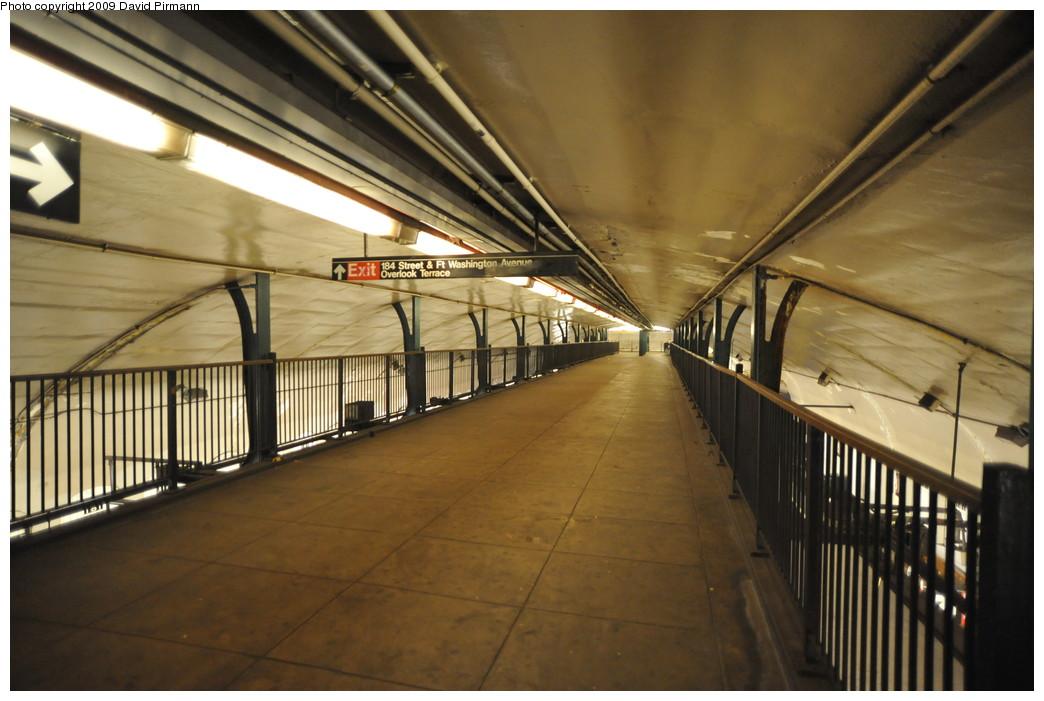 (237k, 1044x701)<br><b>Country:</b> United States<br><b>City:</b> New York<br><b>System:</b> New York City Transit<br><b>Line:</b> IND 8th Avenue Line<br><b>Location:</b> 181st Street <br><b>Photo by:</b> David Pirmann<br><b>Date:</b> 4/10/2009<br><b>Viewed (this week/total):</b> 1 / 1111