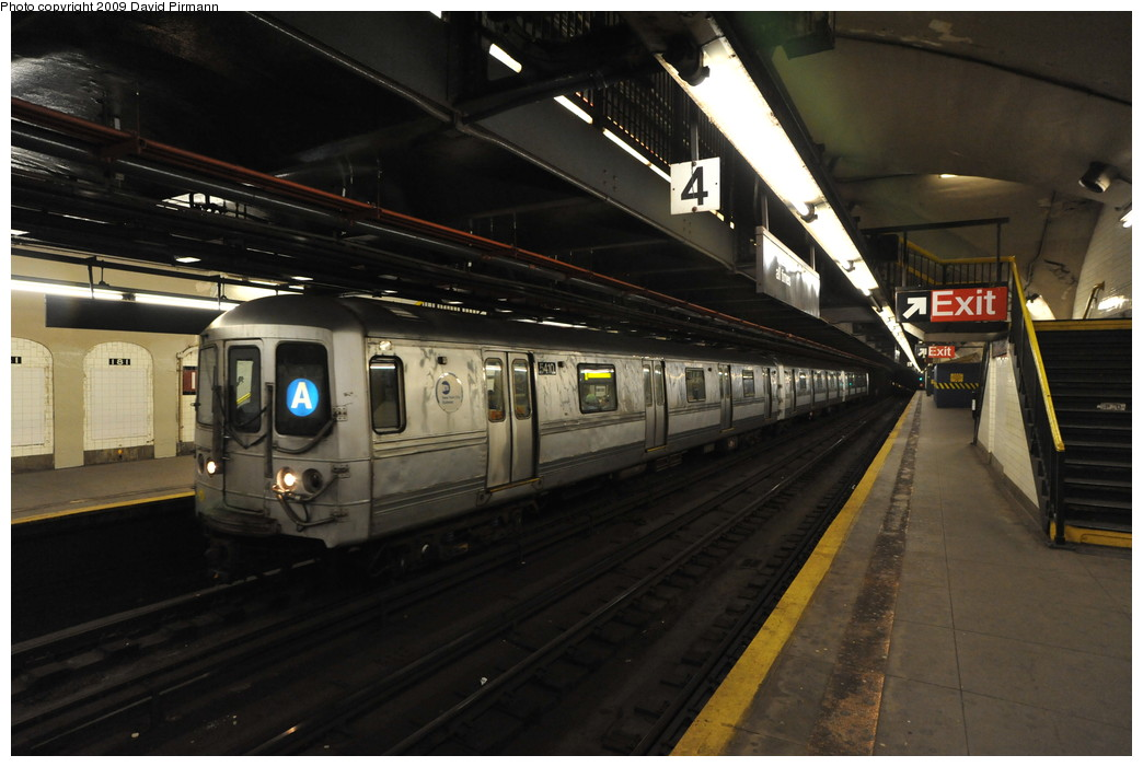 (228k, 1044x701)<br><b>Country:</b> United States<br><b>City:</b> New York<br><b>System:</b> New York City Transit<br><b>Line:</b> IND 8th Avenue Line<br><b>Location:</b> 181st Street <br><b>Route:</b> A<br><b>Car:</b> R-44 (St. Louis, 1971-73) 5410 <br><b>Photo by:</b> David Pirmann<br><b>Date:</b> 4/10/2009<br><b>Viewed (this week/total):</b> 0 / 1305