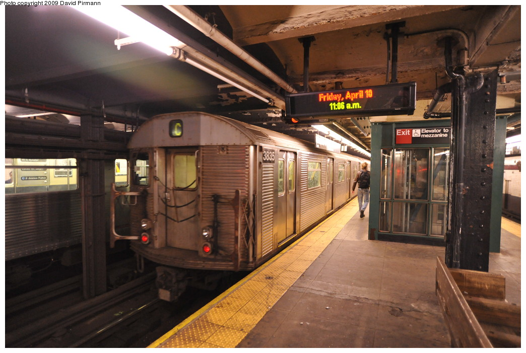(259k, 1044x701)<br><b>Country:</b> United States<br><b>City:</b> New York<br><b>System:</b> New York City Transit<br><b>Line:</b> IND 8th Avenue Line<br><b>Location:</b> 168th Street <br><b>Route:</b> C<br><b>Car:</b> R-32 (Budd, 1964)  3835 <br><b>Photo by:</b> David Pirmann<br><b>Date:</b> 4/10/2009<br><b>Viewed (this week/total):</b> 1 / 1171