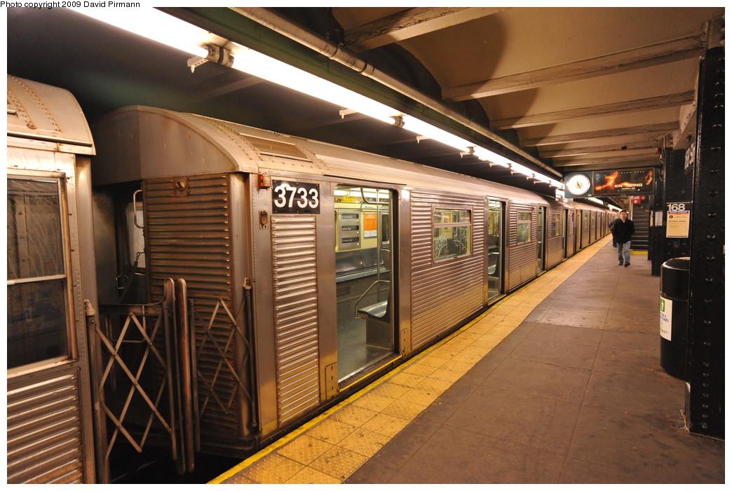 (276k, 1044x701)<br><b>Country:</b> United States<br><b>City:</b> New York<br><b>System:</b> New York City Transit<br><b>Line:</b> IND 8th Avenue Line<br><b>Location:</b> 168th Street <br><b>Route:</b> C<br><b>Car:</b> R-32 (Budd, 1964)  3733 <br><b>Photo by:</b> David Pirmann<br><b>Date:</b> 4/10/2009<br><b>Viewed (this week/total):</b> 0 / 978