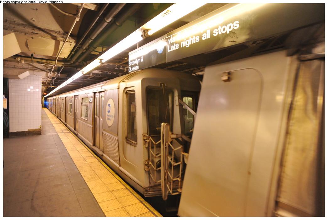 (233k, 1044x701)<br><b>Country:</b> United States<br><b>City:</b> New York<br><b>System:</b> New York City Transit<br><b>Line:</b> IND 8th Avenue Line<br><b>Location:</b> 168th Street <br><b>Route:</b> A<br><b>Car:</b> R-40 (St. Louis, 1968)  4310 <br><b>Photo by:</b> David Pirmann<br><b>Date:</b> 4/10/2009<br><b>Viewed (this week/total):</b> 0 / 1026