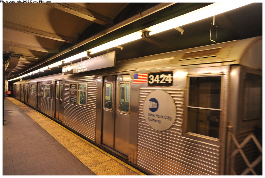 (271k, 1044x701)<br><b>Country:</b> United States<br><b>City:</b> New York<br><b>System:</b> New York City Transit<br><b>Line:</b> IND 8th Avenue Line<br><b>Location:</b> 168th Street <br><b>Route:</b> C<br><b>Car:</b> R-32 (Budd, 1964)  3424 <br><b>Photo by:</b> David Pirmann<br><b>Date:</b> 4/10/2009<br><b>Viewed (this week/total):</b> 2 / 1107