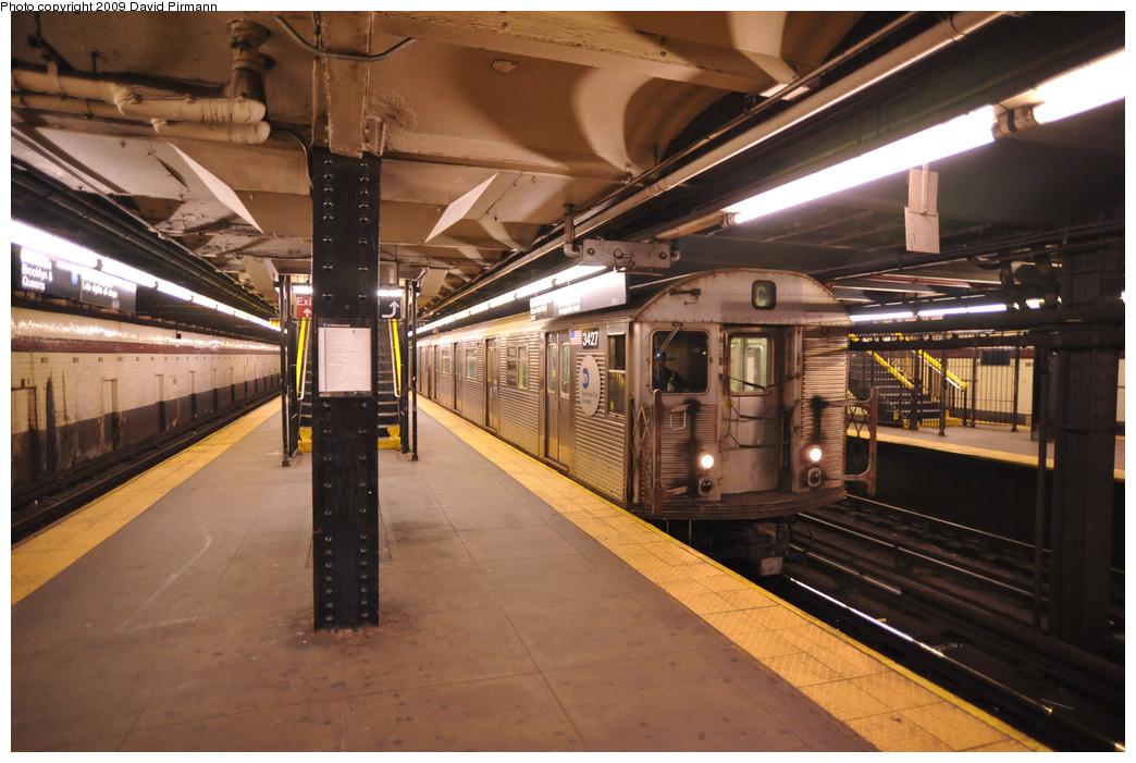 (262k, 1044x701)<br><b>Country:</b> United States<br><b>City:</b> New York<br><b>System:</b> New York City Transit<br><b>Line:</b> IND 8th Avenue Line<br><b>Location:</b> 168th Street <br><b>Route:</b> C<br><b>Car:</b> R-32 (Budd, 1964)  3427 <br><b>Photo by:</b> David Pirmann<br><b>Date:</b> 4/10/2009<br><b>Viewed (this week/total):</b> 0 / 1402