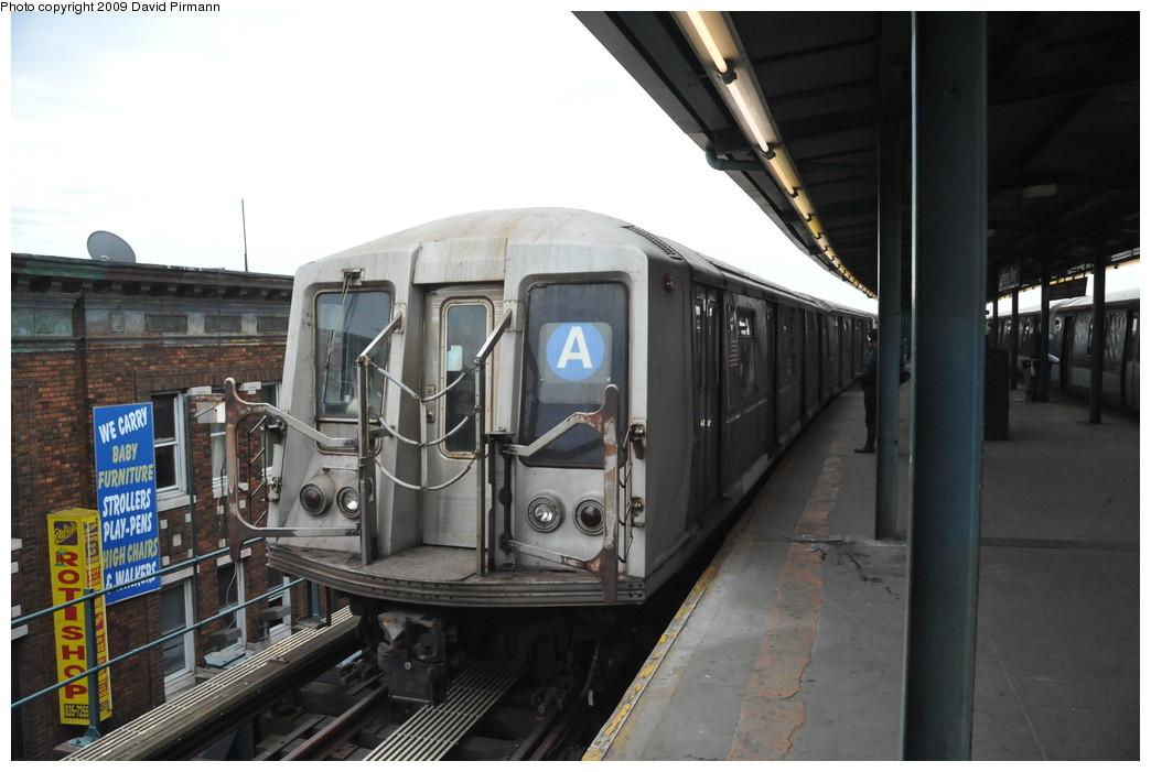 (224k, 1044x701)<br><b>Country:</b> United States<br><b>City:</b> New York<br><b>System:</b> New York City Transit<br><b>Line:</b> IND Fulton Street Line<br><b>Location:</b> Lefferts Boulevard <br><b>Route:</b> A<br><b>Car:</b> R-40 (St. Louis, 1968)  4290 <br><b>Photo by:</b> David Pirmann<br><b>Date:</b> 4/10/2009<br><b>Viewed (this week/total):</b> 0 / 793