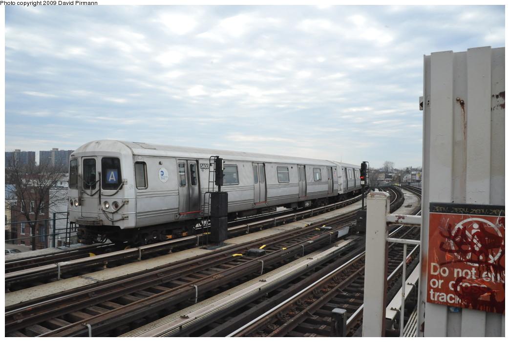 (232k, 1044x701)<br><b>Country:</b> United States<br><b>City:</b> New York<br><b>System:</b> New York City Transit<br><b>Line:</b> IND Fulton Street Line<br><b>Location:</b> 80th Street/Hudson Street <br><b>Route:</b> A<br><b>Car:</b> R-44 (St. Louis, 1971-73) 5400 <br><b>Photo by:</b> David Pirmann<br><b>Date:</b> 4/10/2009<br><b>Viewed (this week/total):</b> 1 / 766