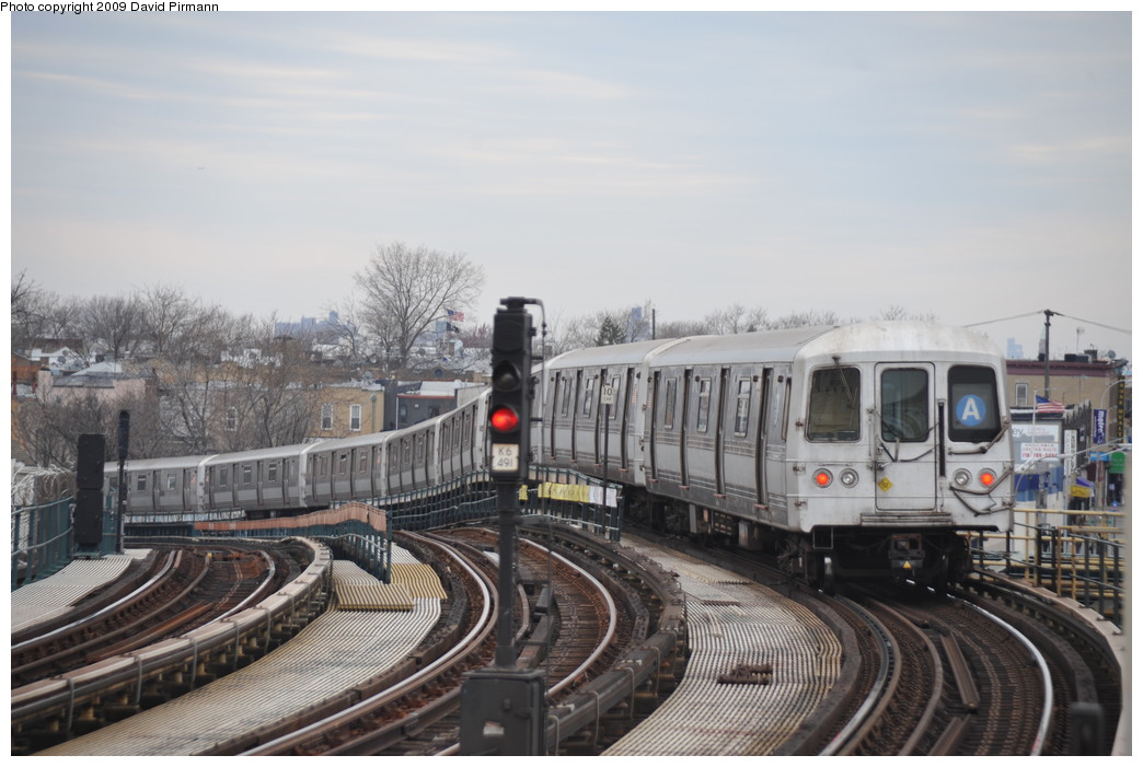(234k, 1044x701)<br><b>Country:</b> United States<br><b>City:</b> New York<br><b>System:</b> New York City Transit<br><b>Line:</b> IND Fulton Street Line<br><b>Location:</b> 80th Street/Hudson Street <br><b>Route:</b> A<br><b>Car:</b> R-44 (St. Louis, 1971-73) 5470 <br><b>Photo by:</b> David Pirmann<br><b>Date:</b> 4/10/2009<br><b>Viewed (this week/total):</b> 1 / 985