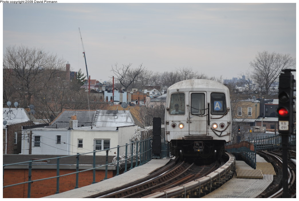 (235k, 1044x701)<br><b>Country:</b> United States<br><b>City:</b> New York<br><b>System:</b> New York City Transit<br><b>Line:</b> IND Fulton Street Line<br><b>Location:</b> 80th Street/Hudson Street <br><b>Route:</b> A<br><b>Car:</b> R-44 (St. Louis, 1971-73) 5440 <br><b>Photo by:</b> David Pirmann<br><b>Date:</b> 4/10/2009<br><b>Viewed (this week/total):</b> 1 / 1008
