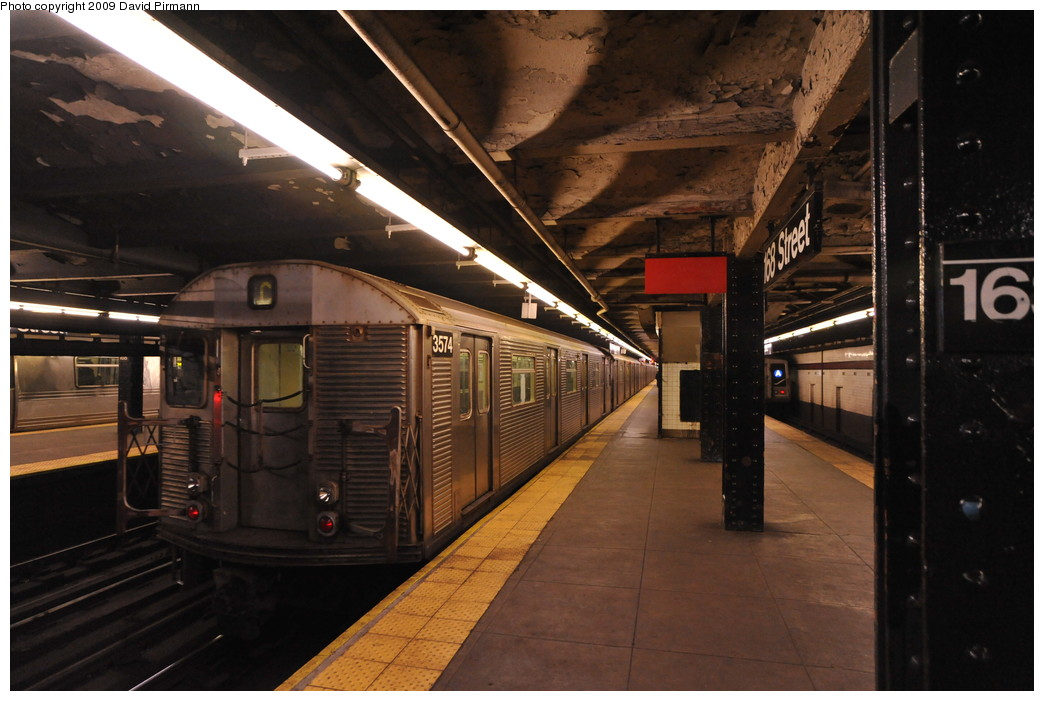 (243k, 1044x701)<br><b>Country:</b> United States<br><b>City:</b> New York<br><b>System:</b> New York City Transit<br><b>Line:</b> IND 8th Avenue Line<br><b>Location:</b> 168th Street <br><b>Route:</b> C<br><b>Car:</b> R-32 (Budd, 1964)  3574 <br><b>Photo by:</b> David Pirmann<br><b>Date:</b> 4/10/2009<br><b>Viewed (this week/total):</b> 3 / 1171