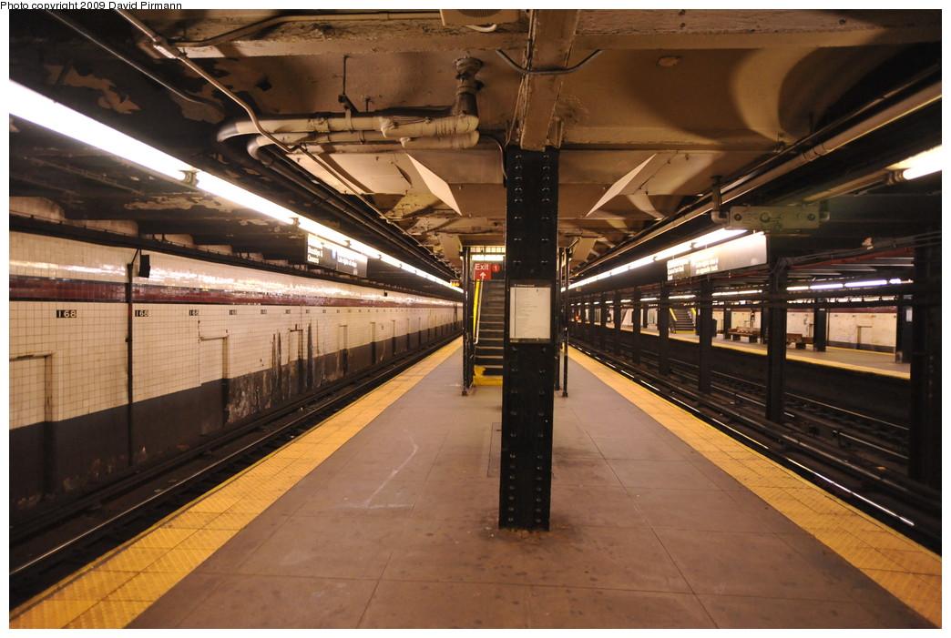 (267k, 1044x701)<br><b>Country:</b> United States<br><b>City:</b> New York<br><b>System:</b> New York City Transit<br><b>Line:</b> IND 8th Avenue Line<br><b>Location:</b> 168th Street <br><b>Photo by:</b> David Pirmann<br><b>Date:</b> 4/10/2009<br><b>Viewed (this week/total):</b> 0 / 919