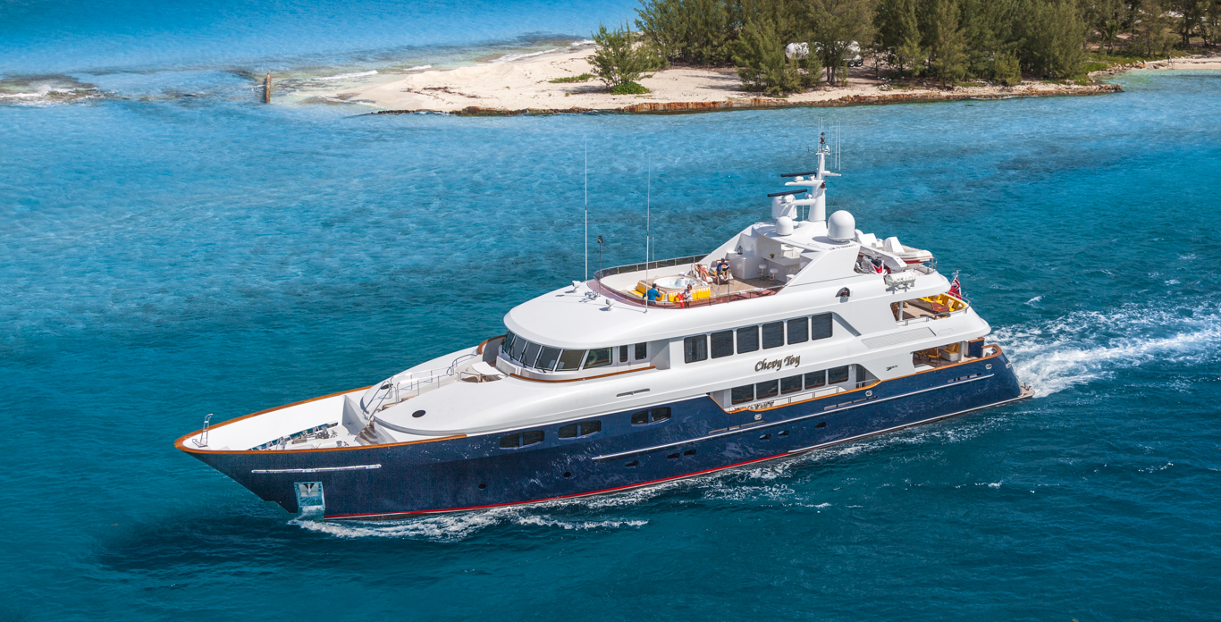 Private yacht charters in Bahamas