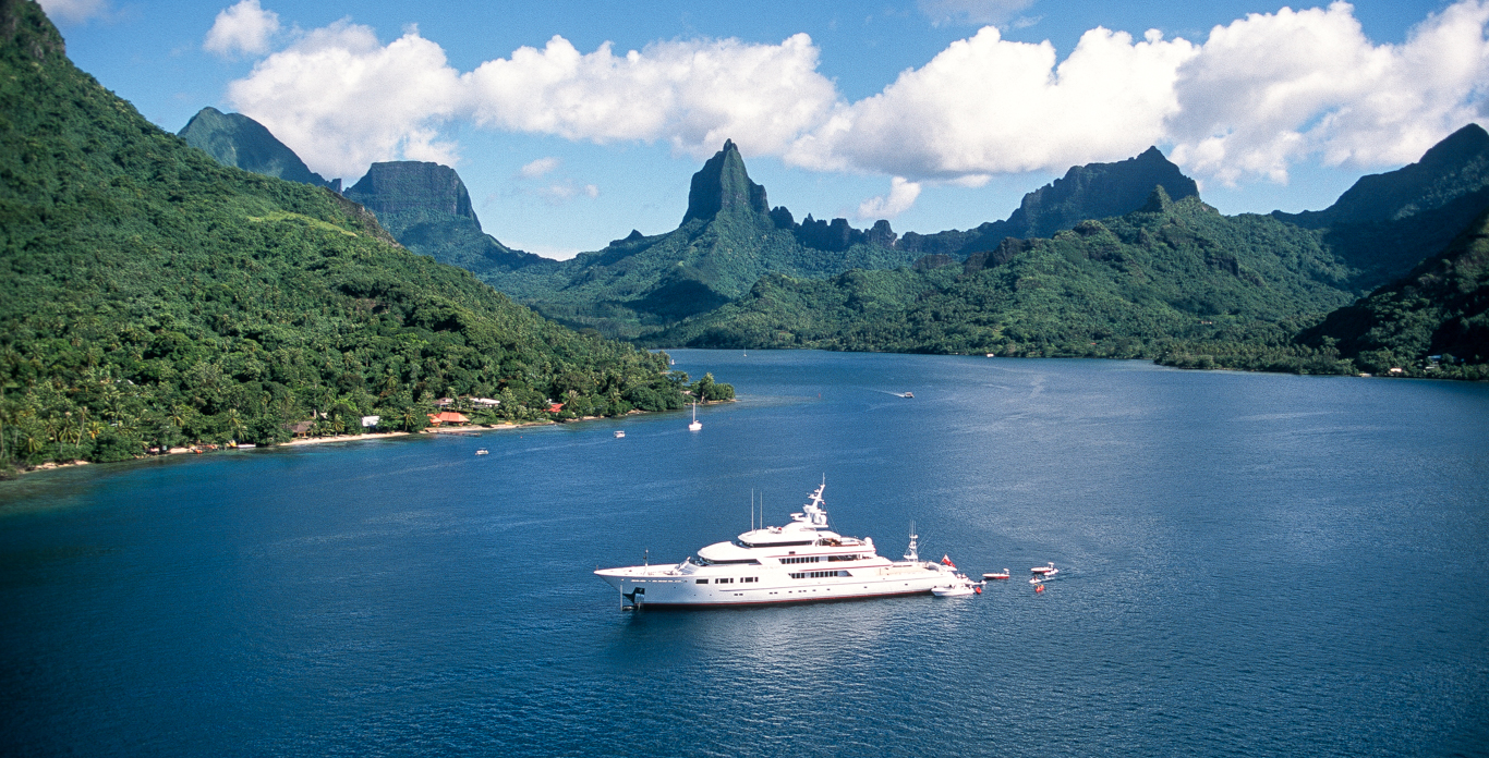 Private yacht charters in Caribbean