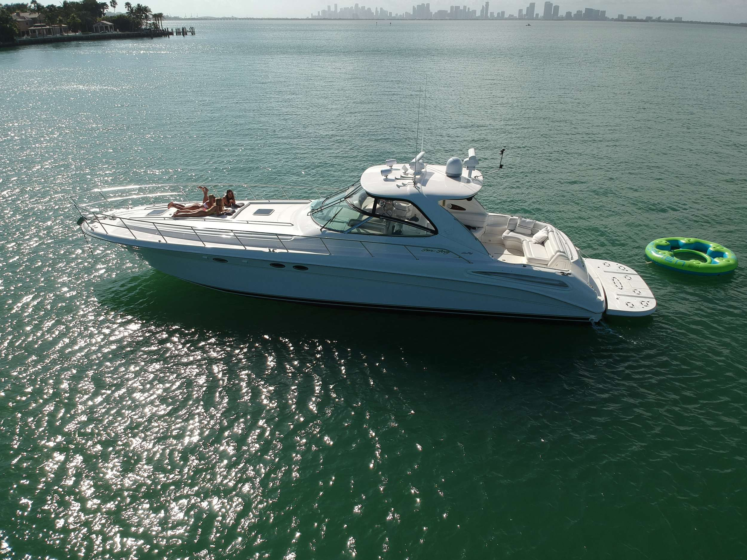 Power Yacht 'Power', 4 PAX,  Crew, 54.00 Ft, 16.00 Meters, Built 2001, Sea Ray, Refit Year 2019