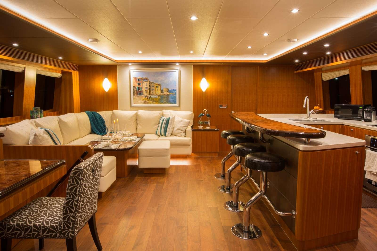 Cat Yacht 'Cat', 6 PAX, 2 Crew, 60.00 Ft, 18.00 Meters, Built 2016, Horizon, Refit Year