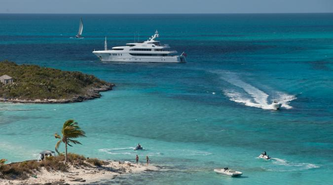 superyacht on an Exumas yacht charter