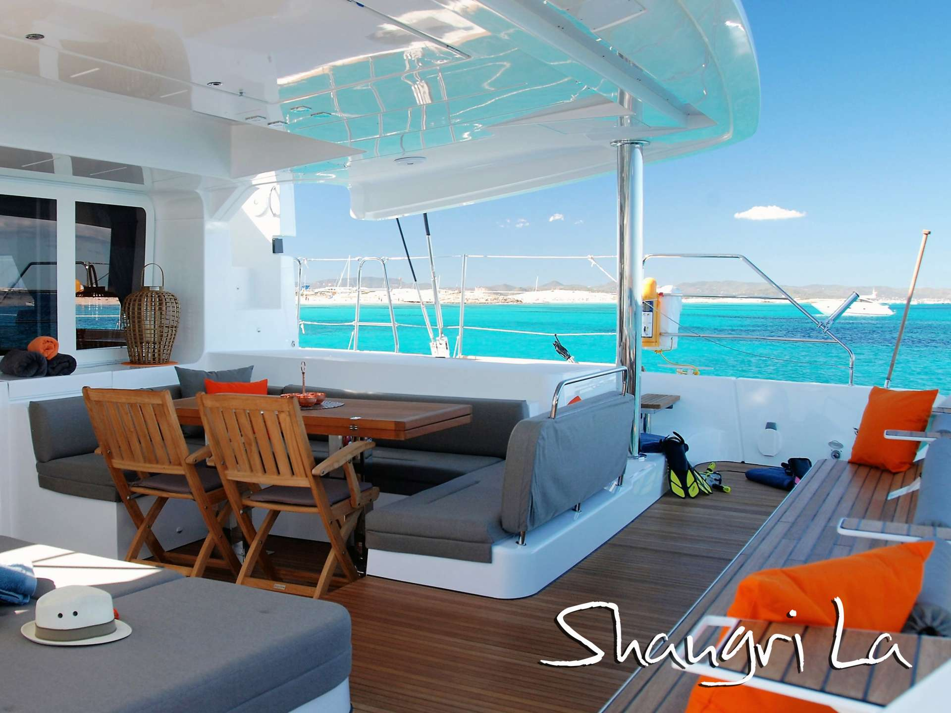 Cat Yacht 'Cat', 8 PAX, 2 Crew, 52.00 Ft, 15.00 Meters, Built 2016, Lagoon, Refit Year