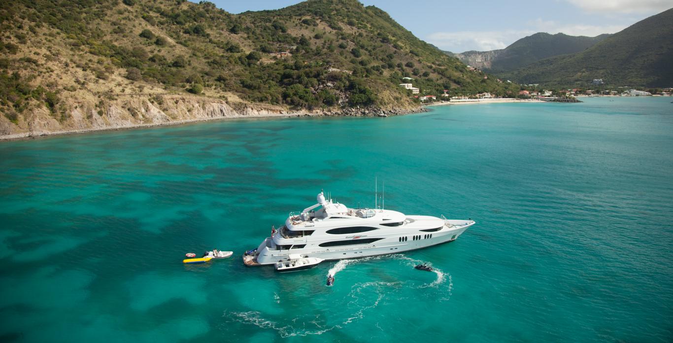 Superyacht Charter in St. Maarten