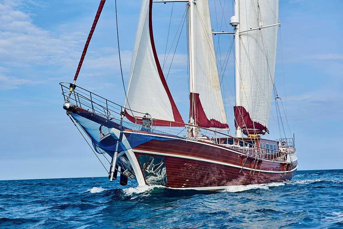 Motors Yacht 'Motors', 12 PAX, 6 Crew, 114.80 Ft, 35.00 Meters, Built 2004, PRUVA, Refit Year 2016