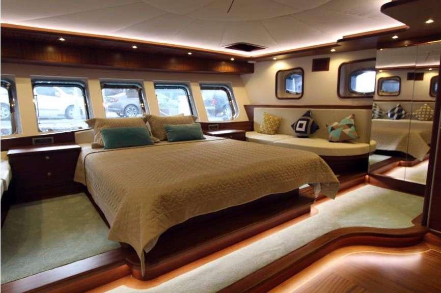 Motors Yacht 'Motors', 10 PAX, 0 Crew, 131.00 Ft, 40.00 Meters, Built 2006, ., Refit Year 2016