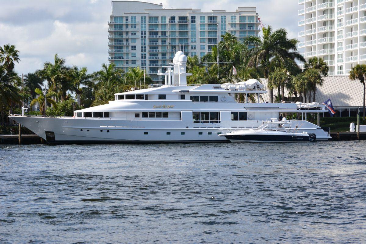 Power Yacht 'Power', 12 PAX, 9 Crew, 143.00 Ft, 43.00 Meters, Built 1988, Van Mill, Refit Year 2017