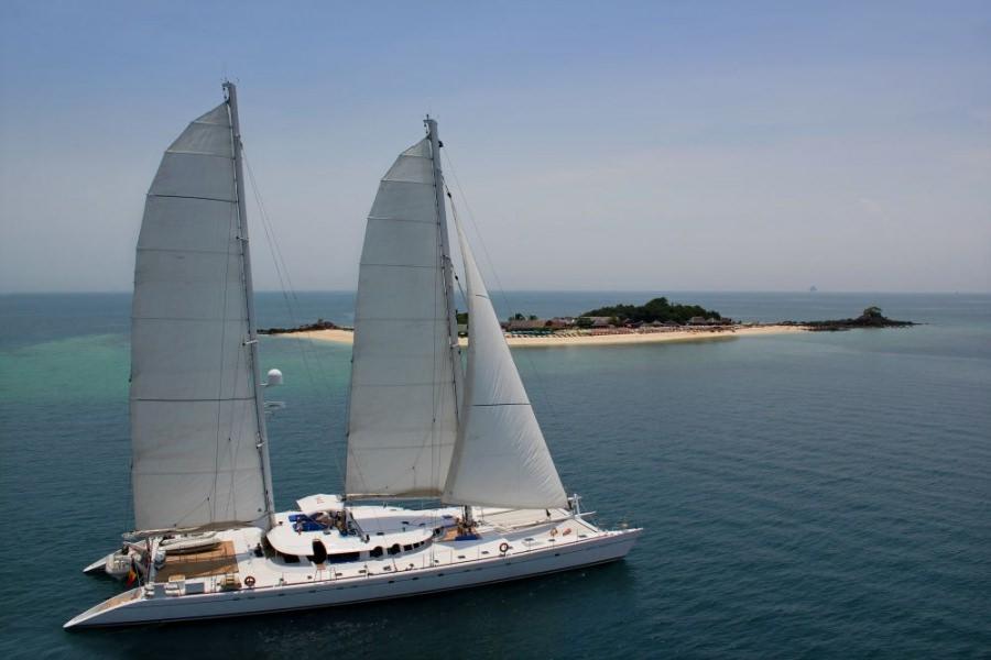 Cat Yacht 'Cat', 12 PAX, 7 Crew, 138.42 Ft, 42.20 Meters, Built 1998, ALU MARINE, Refit Year 2009 & 2016