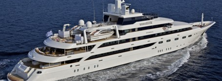 Superyachts for 20 people or more
