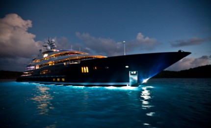 Luxury Super Yacht Charters - Motor
