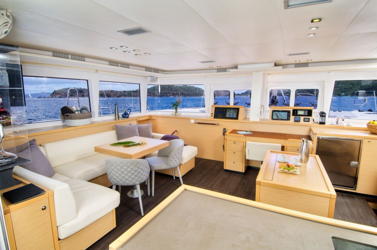 Cat Yacht 'Cat', 8 PAX, 2 Crew, 56.00 Ft, 17.00 Meters, Built 2013, Lagoon, Refit Year 2019