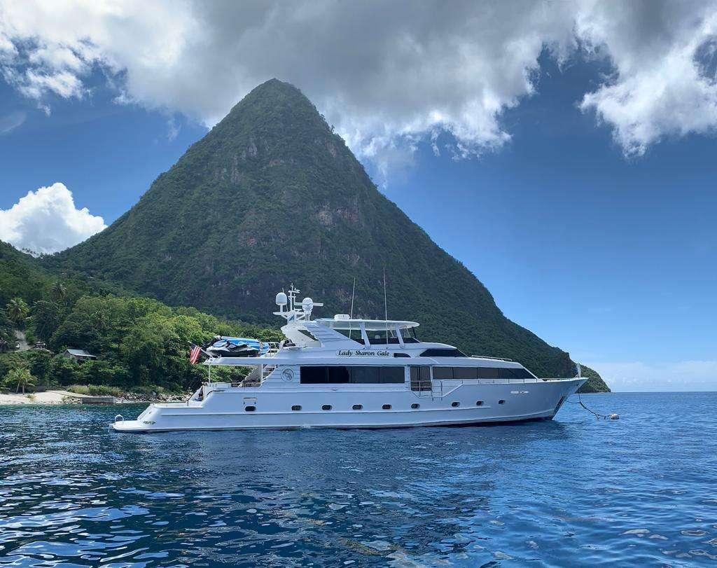 Power Yacht 'Power', 10 PAX, 4 Crew, 112.00 Ft, 34.00 Meters, Built 1998, Broward, Refit Year 2018