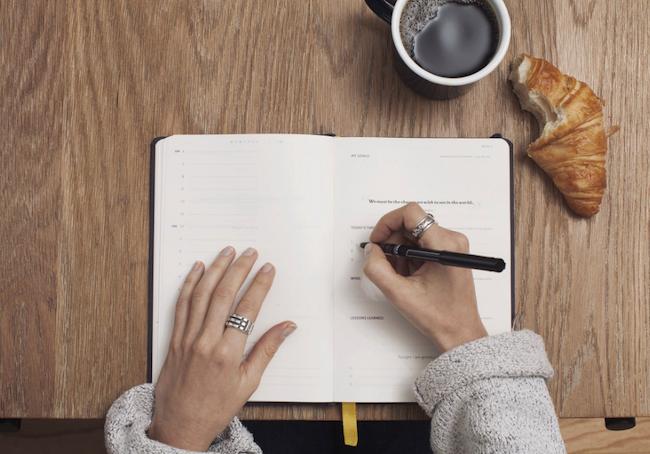 woman journaling her gratitude