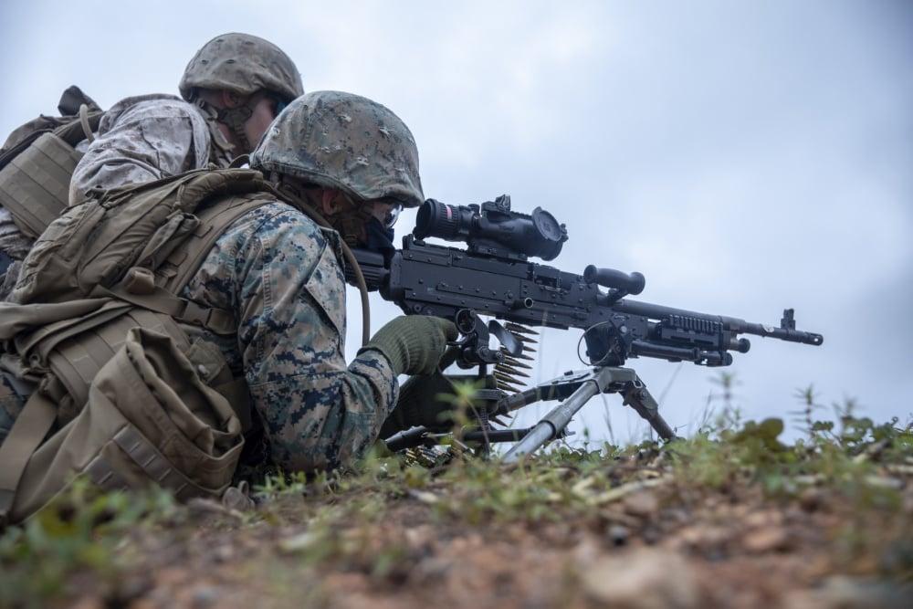 guns, Marines