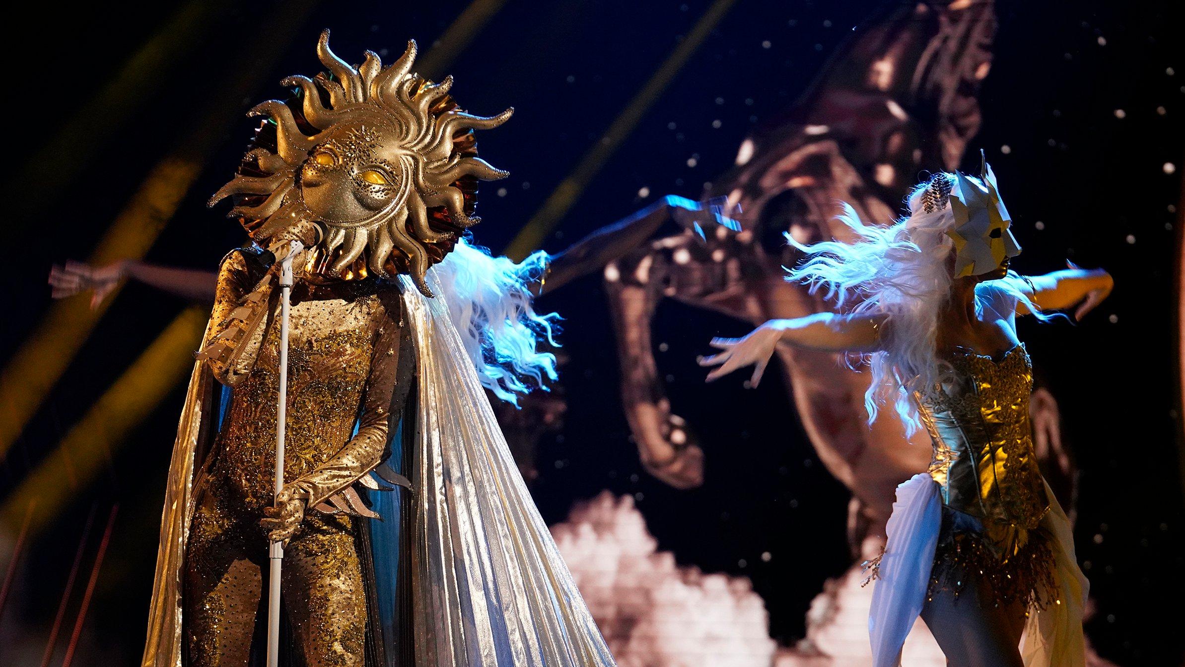 Sun Masked Singer performing