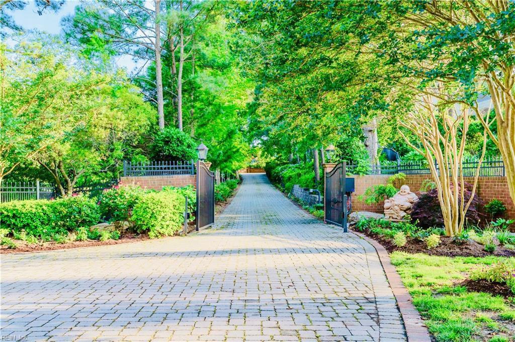 driveway, gates