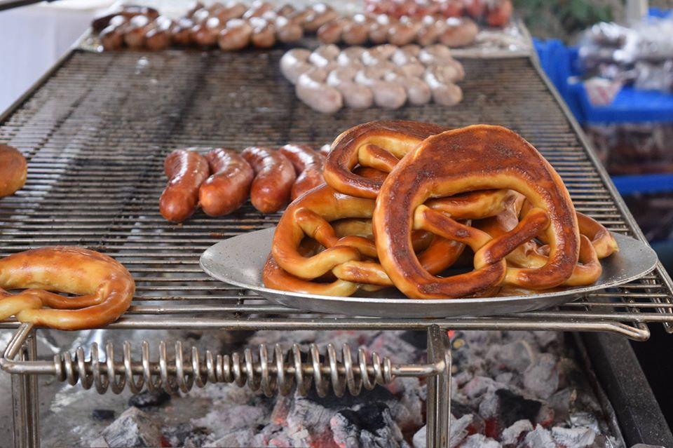 pretzels, sausages, grill