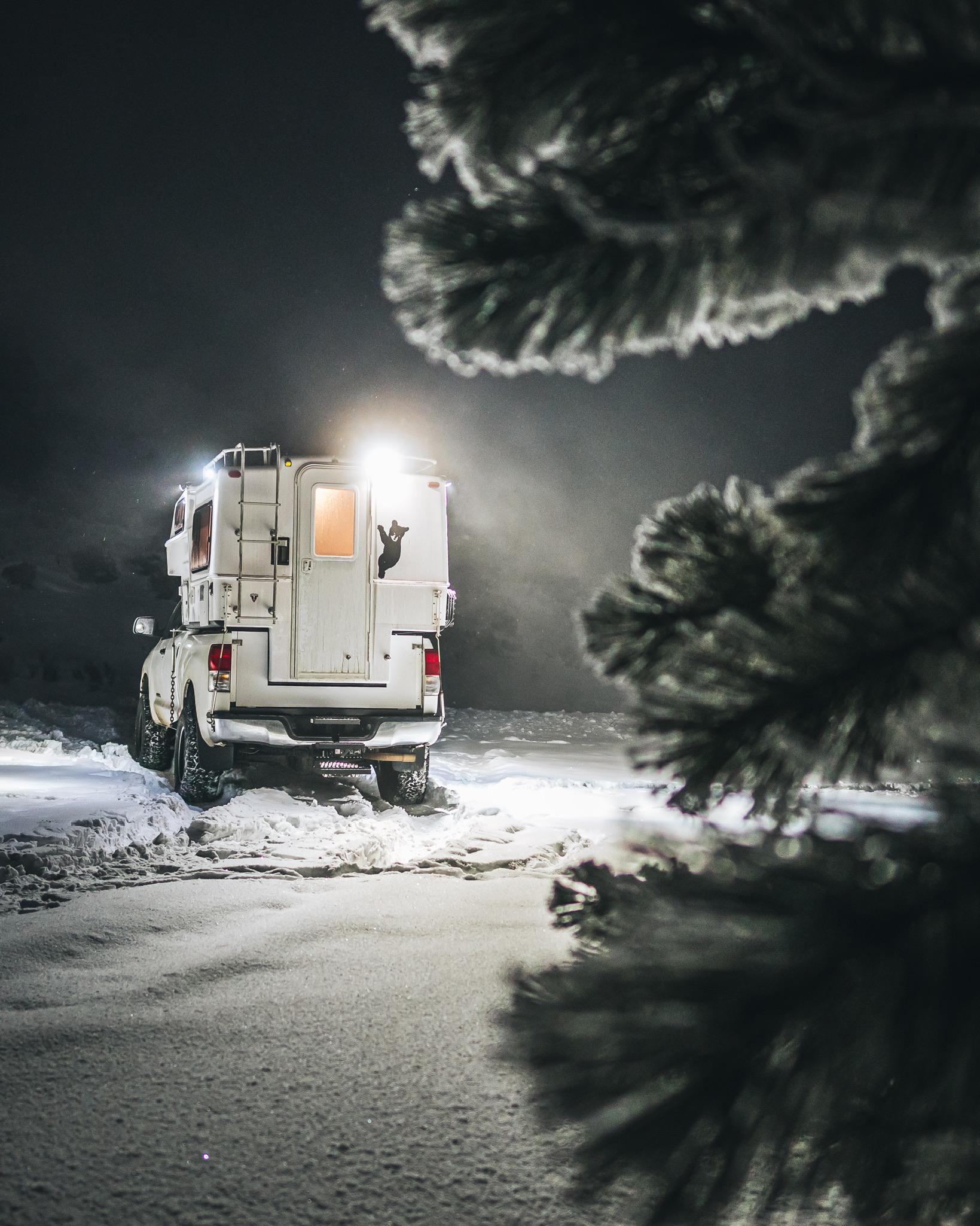 Toyota Tundra Northern Lite Camper