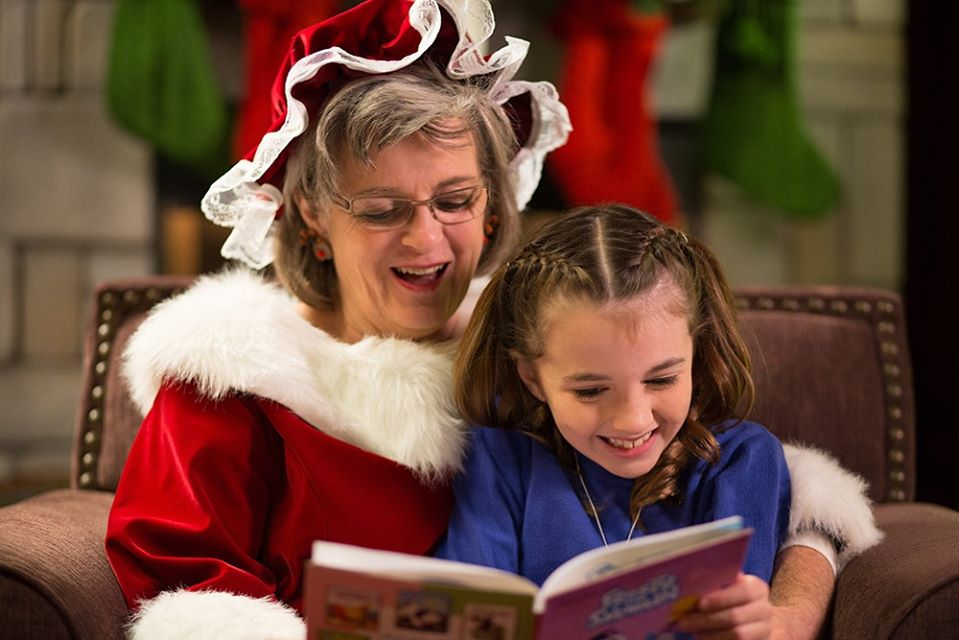 Mrs. Claus, story telling