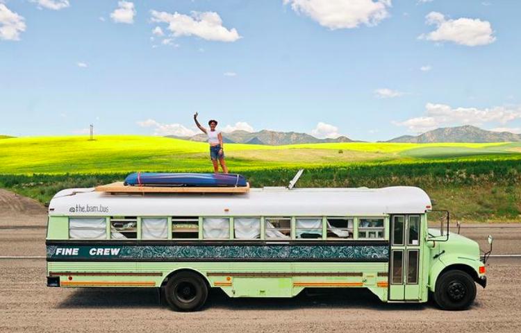 Bekah King, bus